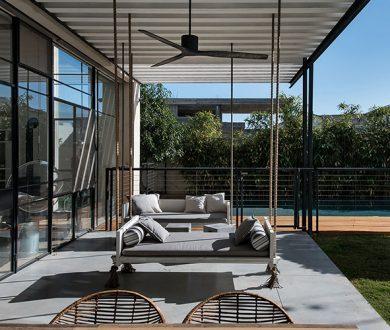 Tel Aviv residence by Neuman Hayner