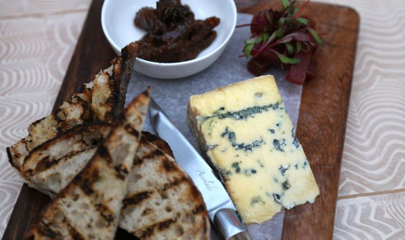 10 spots for a cheese & wine session
