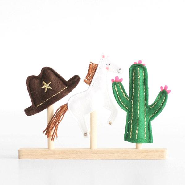 Wild West finger puppets