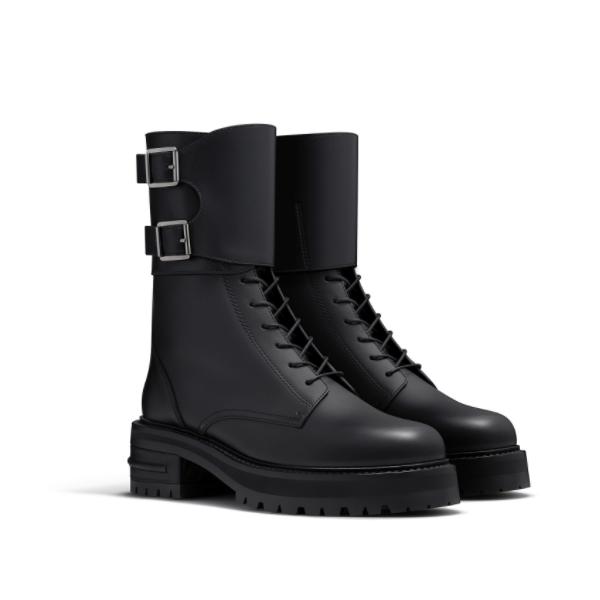 Buckles: Dior Ranger boot in black calfskin leather