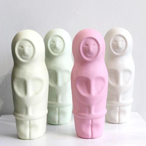 Eskimo sculpture by Simon Lewis-Wards