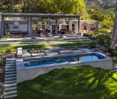 Take a tour through Natalie Portman's hillside Californian holiday home