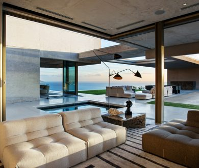 This modern South African residence is cliffside living at its most jawdropping