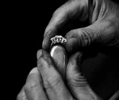 Thinking of popping the question this summer? Consult these tips first