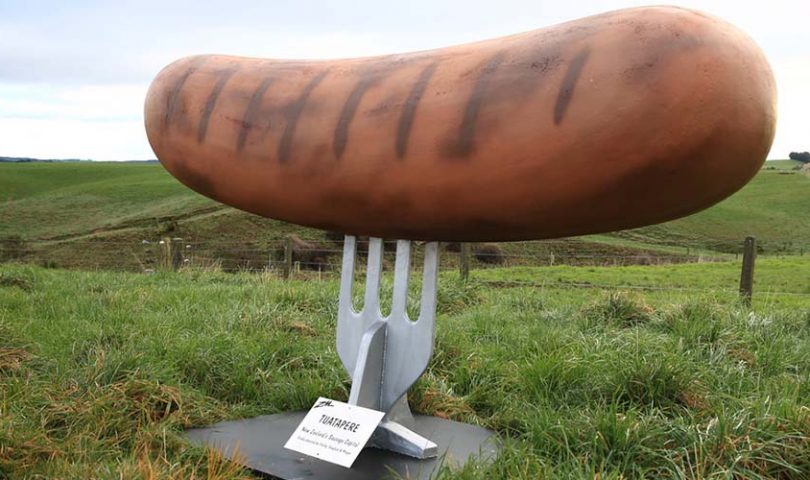 Have you seen the Big Sausage? These are 5 of NZ's strangest roadside attractions