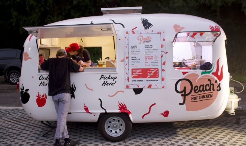 Winner, winner, fried chicken dinner — Peach's is the food truck you need to try
