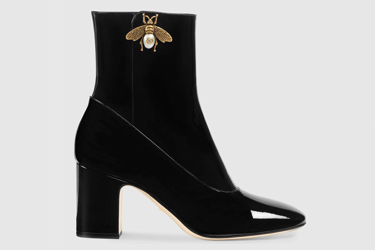Patent leather ankle boot with bee