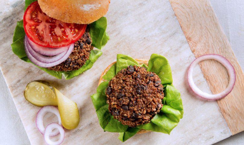 Denizen in the kitchen with F&P: Flipping veggie burgers