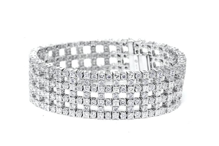 20 carat brilliant and princess cut diamond bracelet