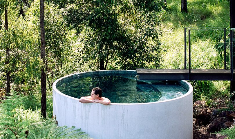A gallery of our favourite plunge pools to get you in the al fresco mood