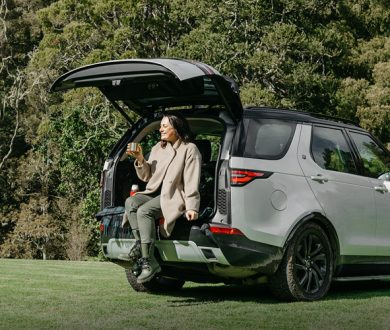 Video: Driving Miss Duncan is back to put the new Land Rover Discovery through its paces