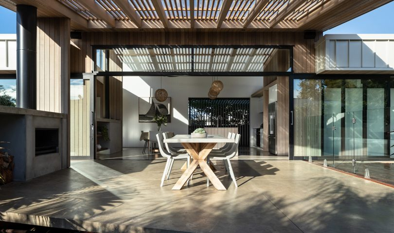 This sleek bach-upgrade brings the outdoors in