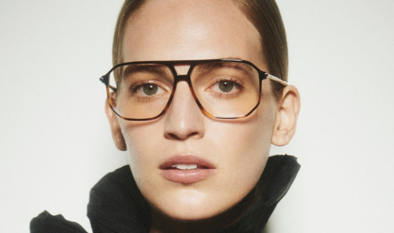Discover blue light glasses, the clever accessory that combines fashion and function