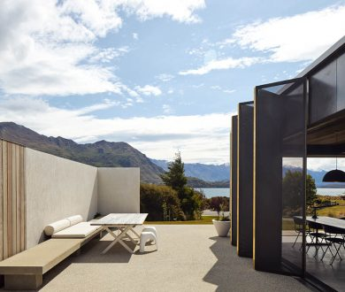 This Lake Wanaka winter retreat is a sleek, modern take on a mountain cabin