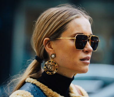 Chic yet statement-making, these drop earrings are here to make an impact