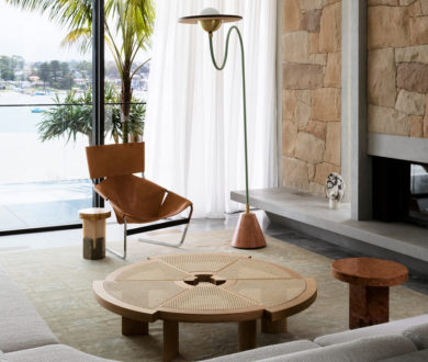 This beachside home juxtaposes relaxed Antipodean vibes with sophisticated European design