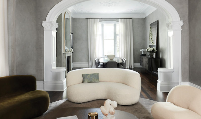 Embracing varied colour palettes and a moody character, this heritage home exudes a sumptuous romanticism